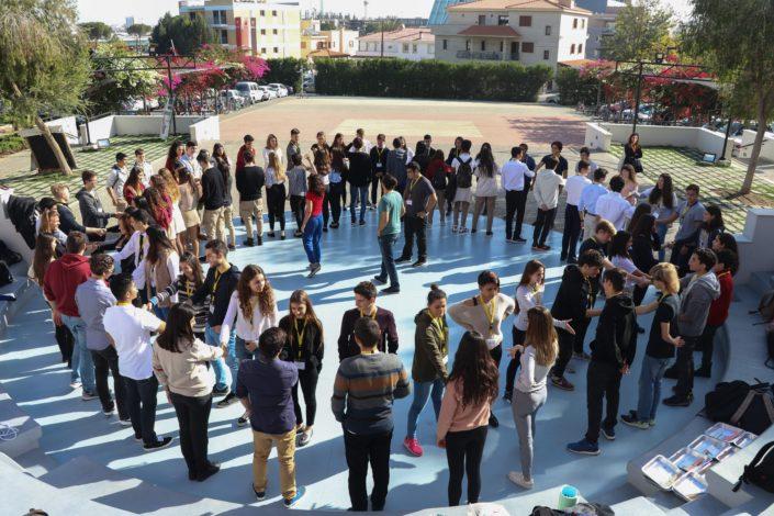 Photo II: Ασκήσεις Γνωριμίας μεταξύ των μαθητών
